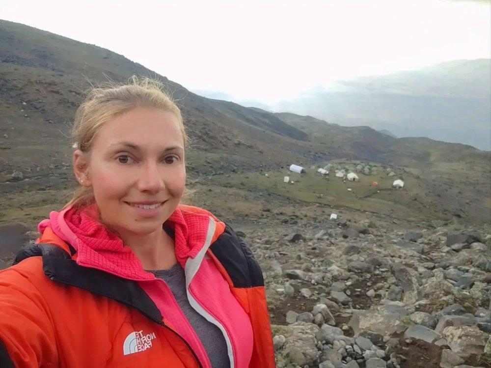 Ararat base camp hike acclimatization